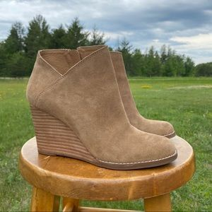 LUCKY BRAND Suede Wedge Ankle Booties Yakeena 7